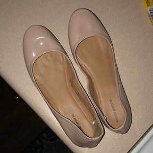 Shoes - Baby pink flats!